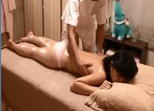 ガチロリ美少女JCがエロ施術でマンコ弄られ悶絶イキのSEX動画