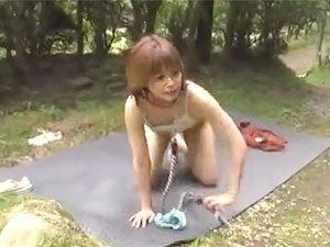 【野外露出☆レイプ】元モデルのJDを原っぱで青姦3Pでパコり捲くりだぁーwwそのまま素っ裸で放置プレイのオマケ付きだぜぇー