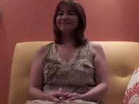 五十路の垂れ乳熟女が絶叫中だしセックスしてる素人エッチ動画