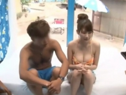 ビキニの巨乳彼女をMM号に連れ込んで彼氏を待たせて生ハメ中出し