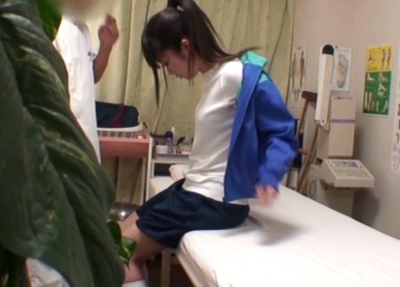 部活帰りのJC女子に猥褻施術してる悪徳整体院の盗撮動画