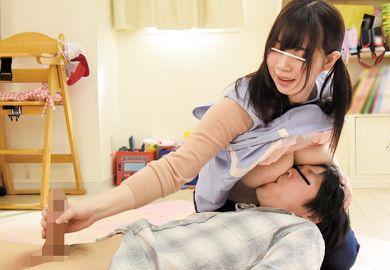 素人の爆乳美少女が保育士役で赤ちゃんプレイに激射精
