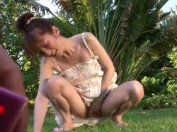 綺麗なお姉さんが南の島でリモバイ露出プレイ&屋外SEX動画