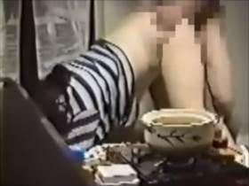 ガチの夫婦のセックスを個人撮影した素人熟女のハメ撮り動画です
