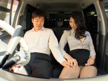 【素人★企画】スカートから見えるパンツを覗かせチンコを愛撫してザーメンを搾り取るエロ動画だーwww|しろスポ|エッチな素人動画