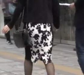 素人ナンパ街中でハントしたパイパン美人妻を車の中で中出しファックしてるエッチ動画