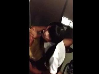 JKカップルがトイレでセックスしてたので盗撮した素人エッチ動画|しろスポ|エッチな素人動画