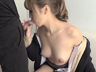 巨乳ギャル女子高生にフェラで口内発射した素人撮影エッチ動画|しろスポ|エッチな素人動画